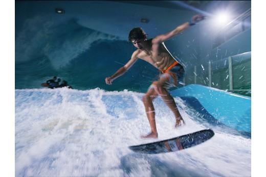 Катание на искусственной волне для серфинга + аквапарк Питерленд